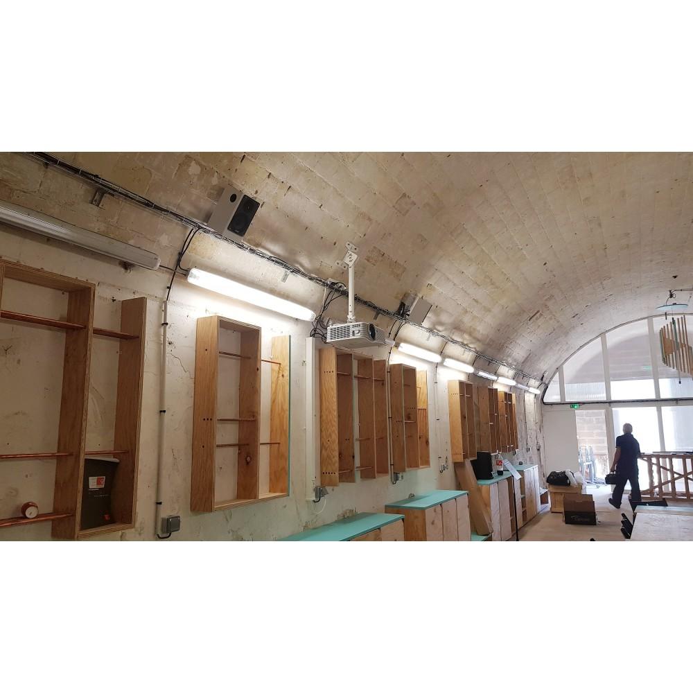installation vidéoprojecteur paris,region parisienne, installateur audiovisuel salle de classe